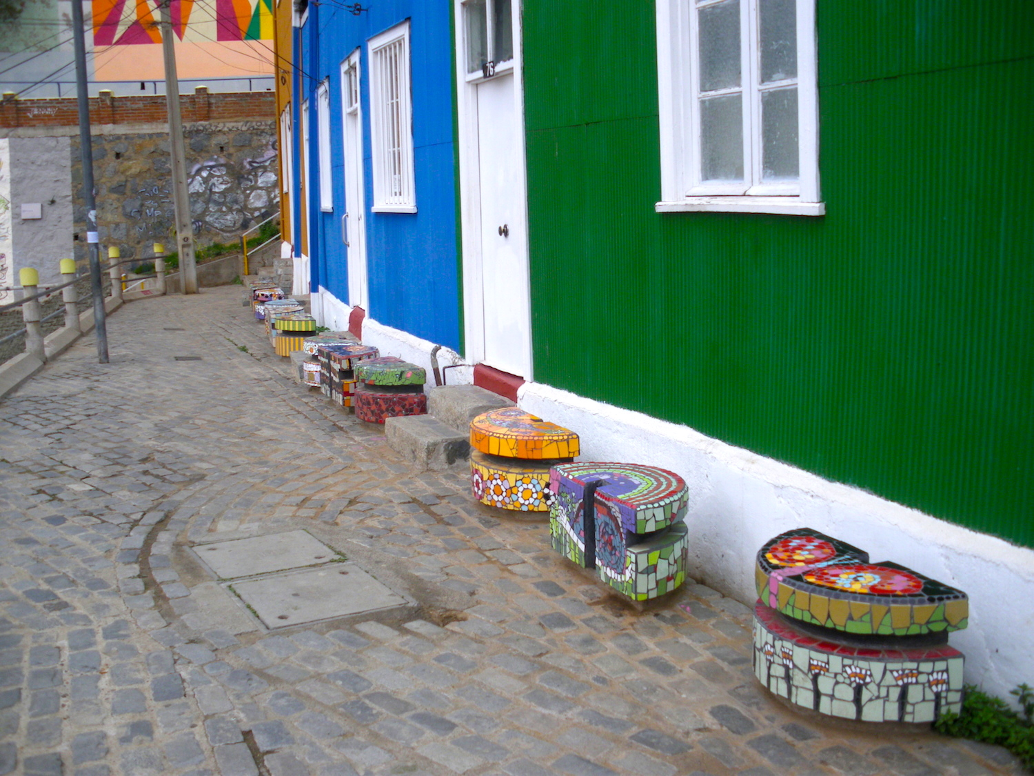 Hocker-Mosaike in Valparaiso