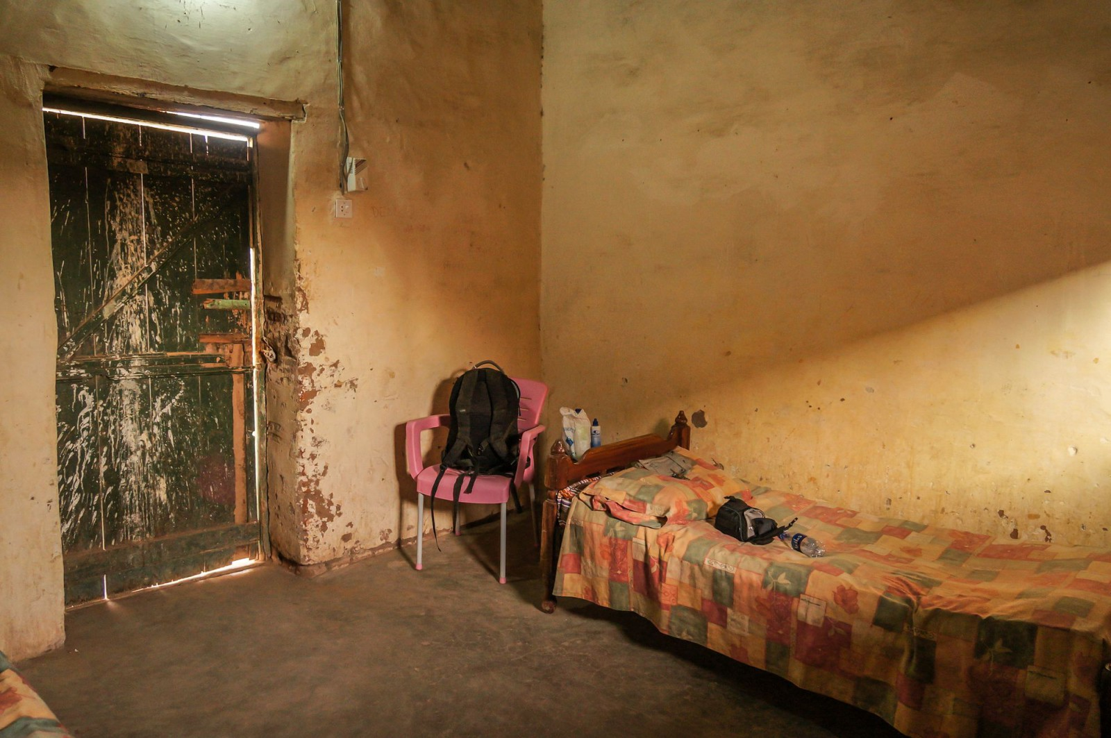 sudan und die suche nach dem letzten abenteuer. Black Bedroom Furniture Sets. Home Design Ideas