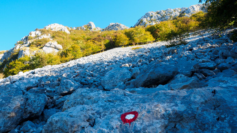 Gemarkeerd pad op Mount Nanos
