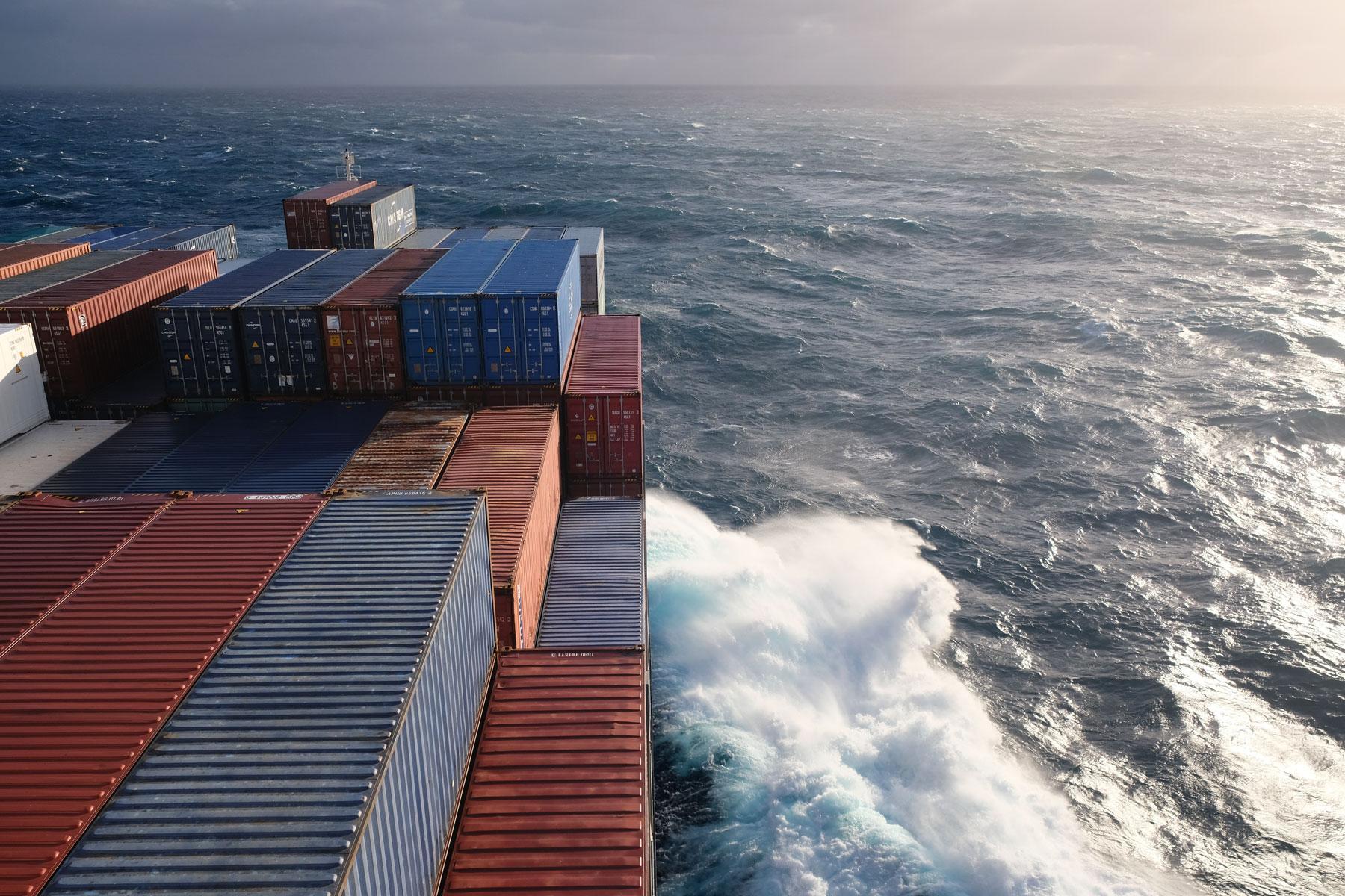 Mit dem Containerschiff über den Pazifik.